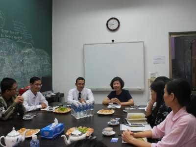 Đẩy mạnh hợp tác với sở giao dịch chứng khoán hà nội (hnx)