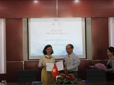 Lễ ký kết thỏa thuận hợp tác giữa Viện John von Neumann và Trường Đại học Kinh tế Luật (ĐHQG TP.HCM)